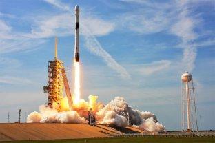 SpaceX lanzará a la Luna el primer satélite pagado en dogecoines