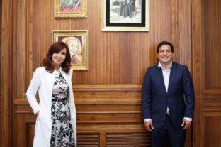 Afirman que el candidato a presidente por Ecuador, Andrés Galarza, se vacunó en Argentina