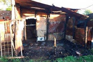 Furia en Alto Verde: lo agarró a cadenazos y le quemó el rancho
