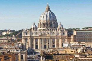 Por la crisis económica en el Vaticano, el Papa recorta el 10% del sueldo a cardenales