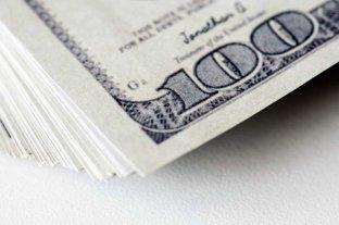 """El dólar """"ahorro"""" vuelve a subir y llega a $ 156 y el """"blue"""" se vende a $ 146"""