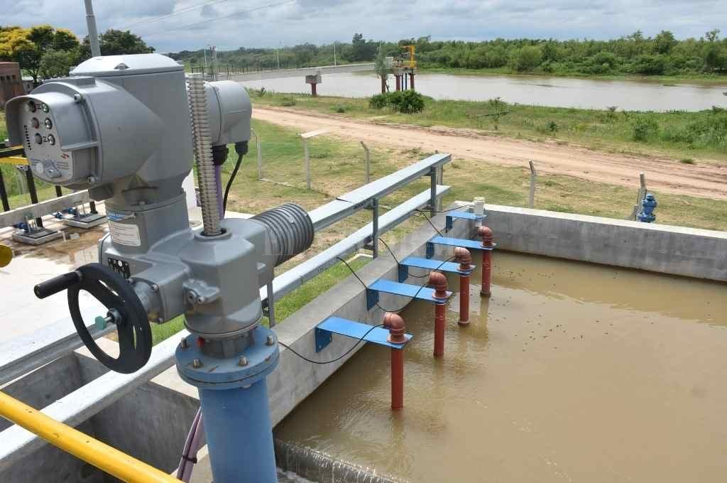 La intención es que, a través de un acueducto desde la planta, se llegue a una cisterna en Villa California y se distribuya el agua por medio de un tanque elevado.     Crédito: Flavio Raina