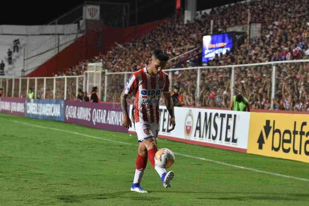 Gabriel Carabajal, un talentoso que no pudo brillar en el año y medio que lleva en Unión. Crédito: Manuel Fabatía