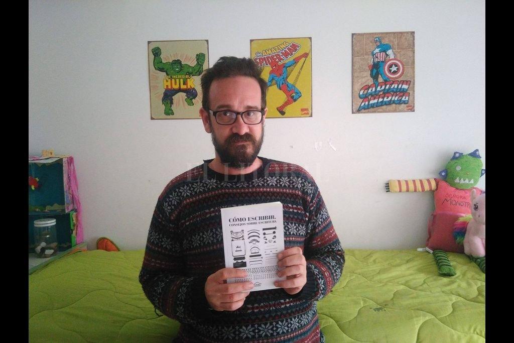 """Lamberti es el autor de """"Los campos magnéticos"""" y """"La casa de los eucaliptus"""" entre otras novelas y colecciones de cuentos, lista a la cual ahora se suma """"Los abetos"""". Crédito: Gentileza del autor"""