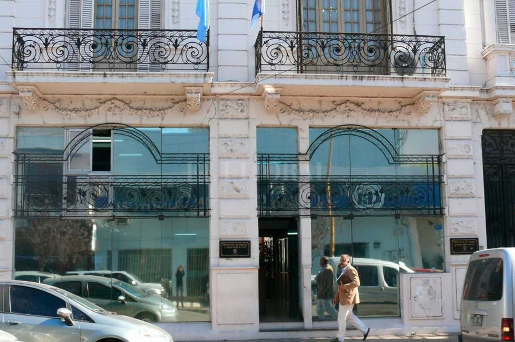 La sede del Ministerio de Trabajo de Santa Fe, sobre calle Rivadavia. Crédito: Archivo El Litoral
