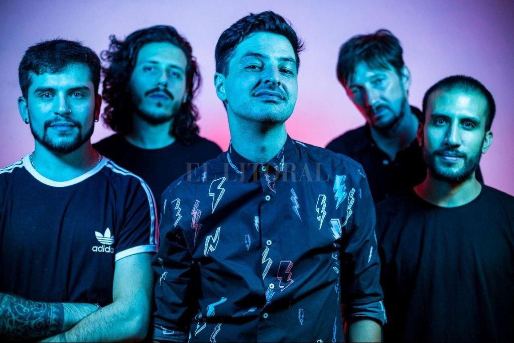 El cantautor santafesino y su banda mostrarán su último disco después de casi un año sin tocar en vivo.  Crédito: Gentileza Wally (Binco Soluciones)