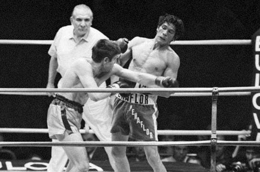 La imagen corresponde a la revancha con Benvenutti, que tuvo lugar en mayo de ese 1971 en el que Monzón paralizó la ciudad de Salta.     Crédito: Archivo