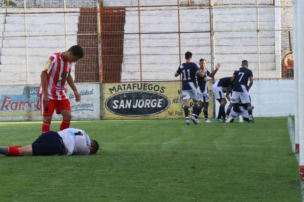 La contundencia de Ben Hur dejó por el piso el sueño de Atlético Paraná. Crédito: Gentileza Marcelo Miño
