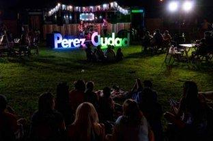 Cultura Móvil recorre los barrios de Pérez con su propuesta a cielo abierto
