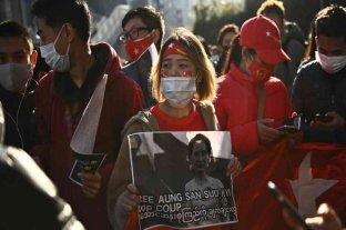 Manifestantes retomaron las protestas en las principales ciudades de Birmania