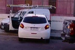 Ladrones quedaron detenidos tras chocar contra un utilitario mientras escapaban