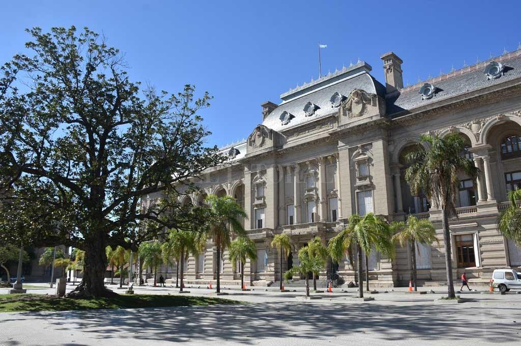La Casa Gris defiende su licitación suspendida por un fallo de la Justicia -  -