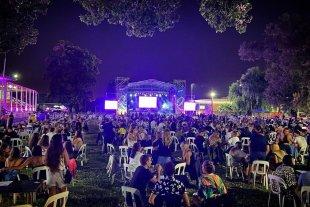Tribus celebra su aniversario en El Óvalo