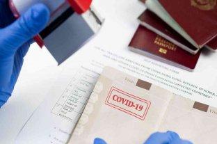 """Coronavirus: La Unión Europea analiza crear un """"pasaporte verde"""" para los vacunados"""