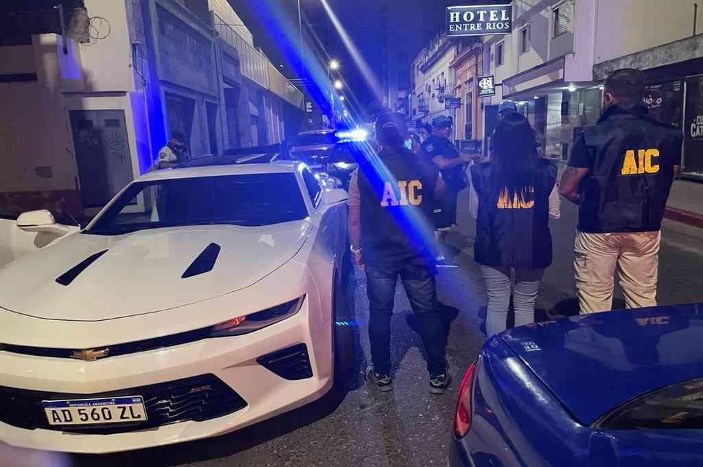Efectivos de la Agencia de Investigación Criminal viajaron a Córdoba el fin de semana para concretar las detenciones. Crédito: Prensa Ministerio de Seguridad