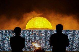 Tradición y tecnología: 200.000 budistas tailandeses celebraron su día sagrado a través de zoom
