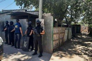 """""""Tumbaron"""" tres kioscos narco en barrio Centenario y Villa Hipódromo - Los allanamientos se concretaron sin incidentes."""