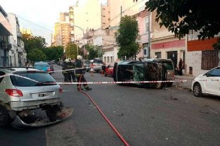 Insólito: chocó tres autos, volcó y mordió a oficiales de la policía -