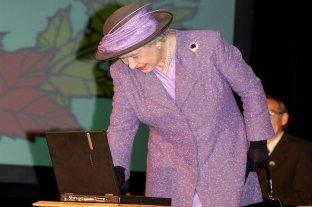Según la prensa británica, Meghan y Harry se escriben mails con Isabel II