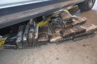 Una pareja intentó cruzar el puente Chaco - Corrientes con un niño y 25 kilos de droga