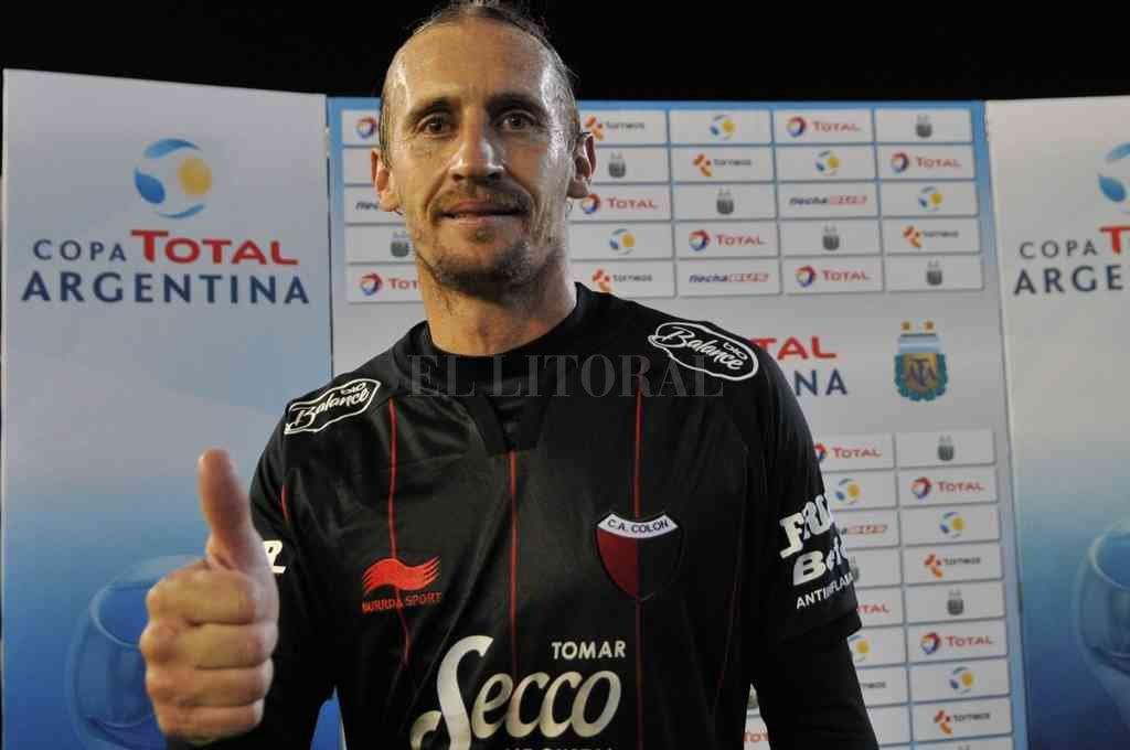 El ex jugador de Colón se retiró de las canchas pero no se alejó del fútbol. Crédito: Archivo