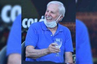 """El """"culo"""" de Vignatti - Agua para el incendio. Una de las últimas apariciones de José Néstor Vignatti, apoyando la vuelta del básquetbol profesional de Colón. De la mano del """"Barba"""" y con la venta de Vigo, recuperó la sonrisa el presidente sabalero."""