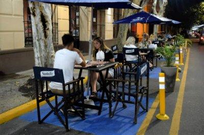 Santa Fe extendió el horario de cierre de locales gastronómicos y habilitó la pesca deportiva