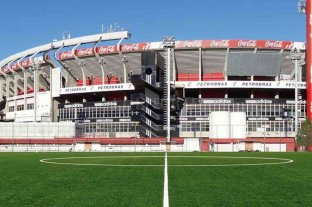 Vignatti fue a comprar la cancha de césped sintético para Colón  - Como los clubes grandes. Las instituciones más importantes de la Argentina, tal como se observa con River Plate en el espacio lindante al Monumental de Núñez, tienen su cancha de césped sintético. Ahora, en un puñado de meses, Colón tendrá la suya en el predio deportivo de la Autopista.