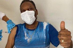 """Pelé se vacunó contra el coronavirus y pidió """"disciplina para preservar las vidas"""""""