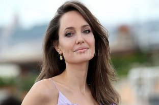 """Angelina Jolie vende """"el único"""" cuadro de Churchill por 11,5 millones de dólares"""