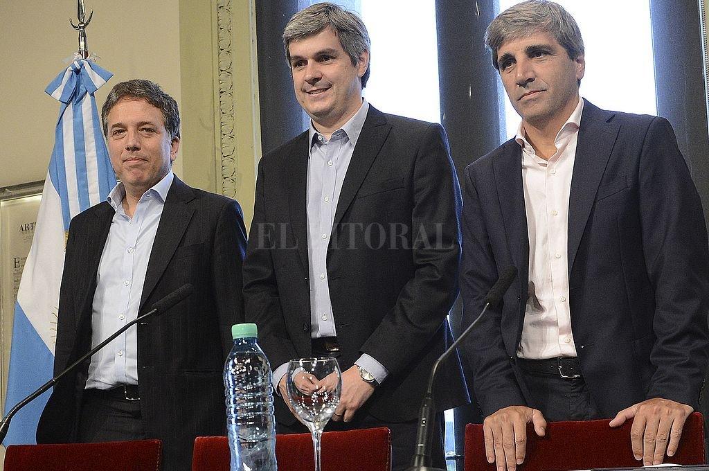 Nicolás Dujovne, Marcos Peña y Luis Caputo. Crédito: Archivo El Litoral