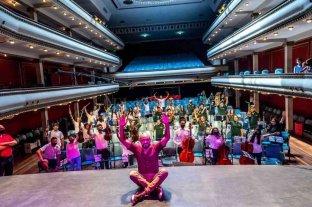 Abel Pintos sorprendió a chicos de las orquestas infanto juveniles de Rosario