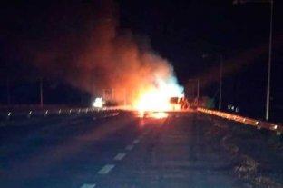 Choque de camiones dejó un muerto en la Autopista Rosario - Córdoba -