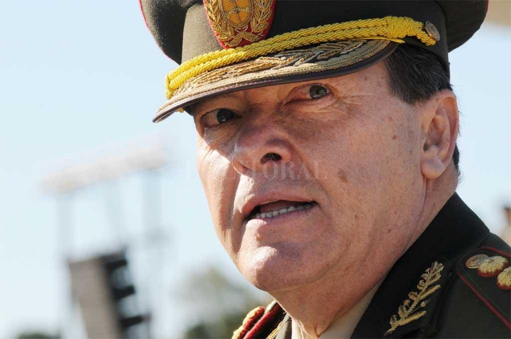 Violento asalto al ex jefe del Ejército César Milani