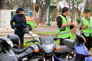 """Padre e hija  fueron  presos por  agredir a """"zorros"""" y policías -"""