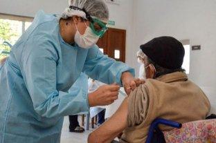 Escándalo en San Juan: cobran $ 200 a ancianos por sacarles un turno para vacunarse