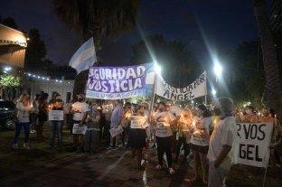"""La ciudad de Rosario marchó """"con velas"""" para pedir seguridad -  -"""