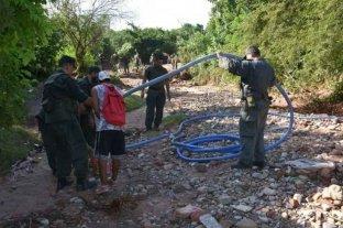 Contrabandeaban aceite a Bolivia por una manguera que cruzaba la frontera