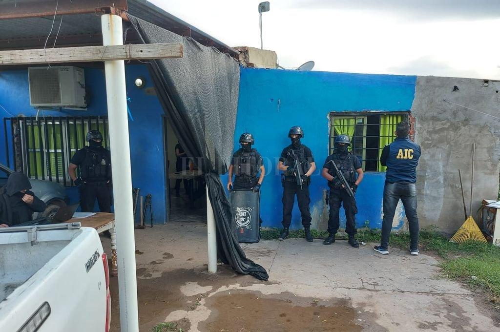 Los operativos y la investigación fueron llevadas a cabo por personal de la Brigada Operativa Antinarcóticos N 1, perteneciente a la Agencia de Investigación Criminal (AIC). Crédito: El Litoral