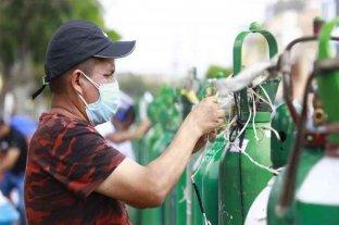 Perú recibió 20 toneladas de oxígeno de Ecuador para enfermos de coronavirus
