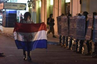 Incidentes y represión en Paraguay tras una protesta por la crisis sanitaria
