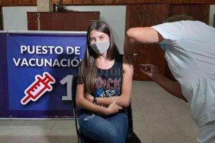 Aplicaron la segunda dosis a personal de Salud de Pilar