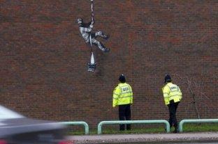 Banksy confirmó que pintó el graffiti de la prisión de Reading en Reino Unido