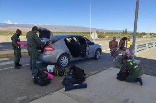 Detuvieron a un policía federal por llevar un arma no registrada y drogas