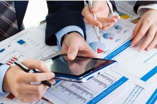 Qué hacer con las inversiones: pesos, dólares, ladrillos, criptomonedas, acciones o bonos