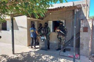 Allanaron kioscos de droga en barrio Coronel Dorrego