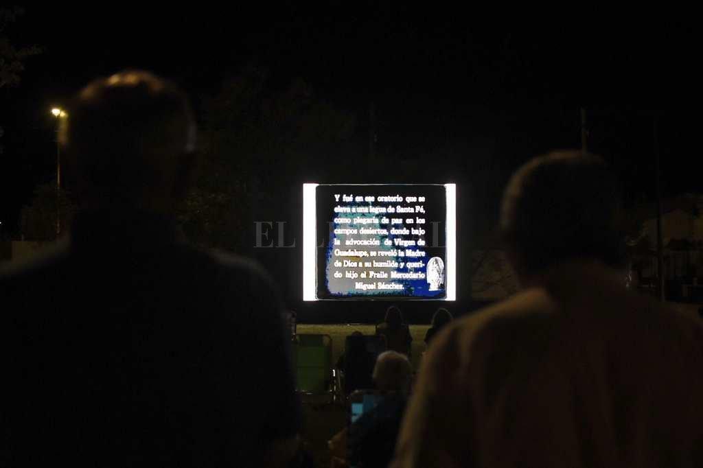 La presentación, en la plaza de la Basílica. Crédito: Gentileza.