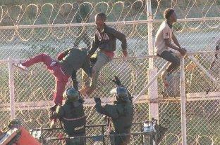 Unos 60 africanos lograron ingresar al enclave español de Melilla