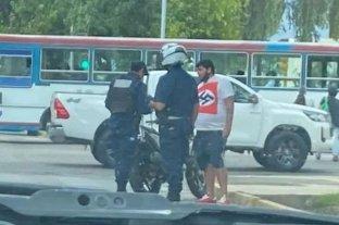 Demorado en San Juan por usar una remera nazi mientras se llevaba a cabo el 8M