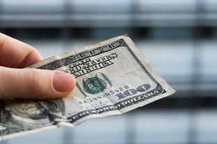 Dólar: el oficial cerró la semana a $ 99,42 y el blue operó estable a $ 151